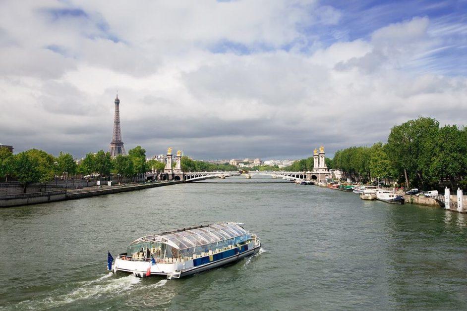 bateau mouche Paris